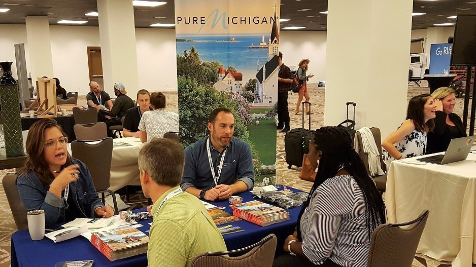 Pure Michigan with travel bloggers and influencers at TravelCon 2018 (photo by Tourism Currents)